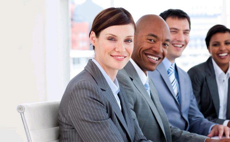 Por que o atendimento ao cliente de qualidade sempre começa com um sorriso